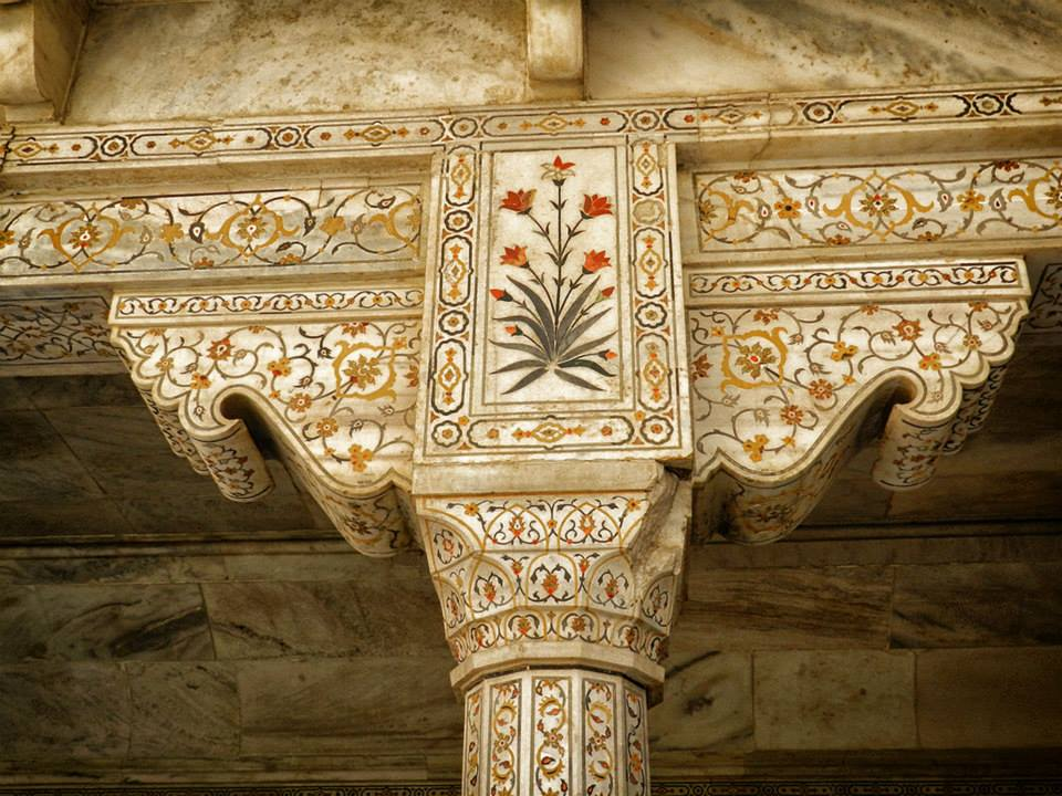 gemstone inlay at Agra Fort