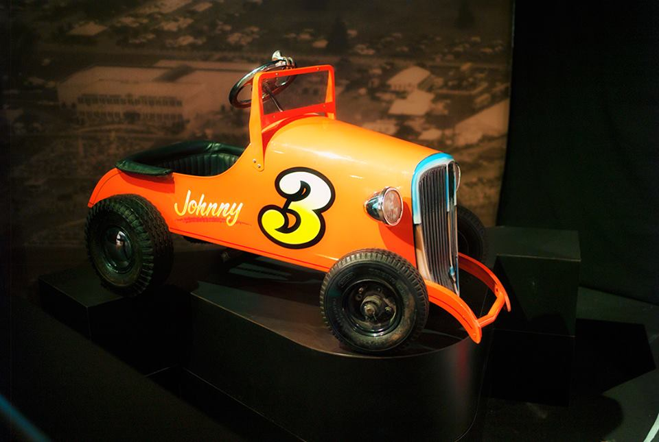childs racing car Johnny 3