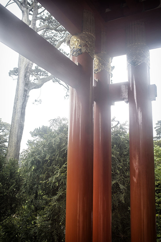 orange columns Japanese Tea Garden