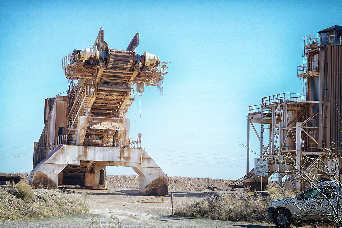 large conveyor belt for mining, looks like mechanical chameleon